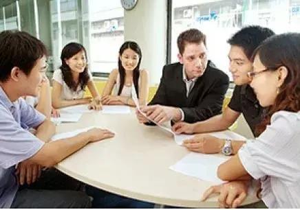 曼谷大学商务英语专业