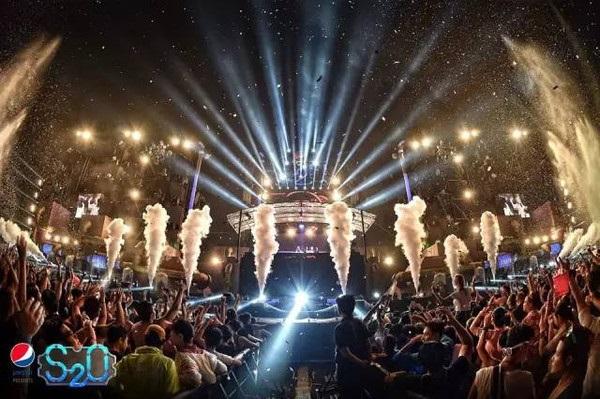 泰国全球最大泼水音乐节!4月13至15日,约吗?