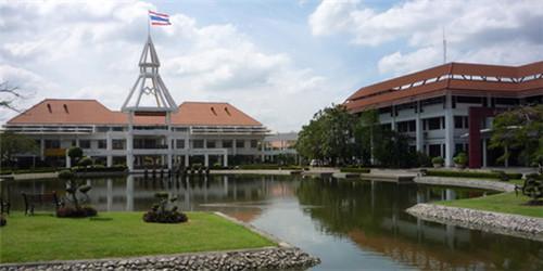 一起来了解下世界排名靠前的泰国国立法政大学