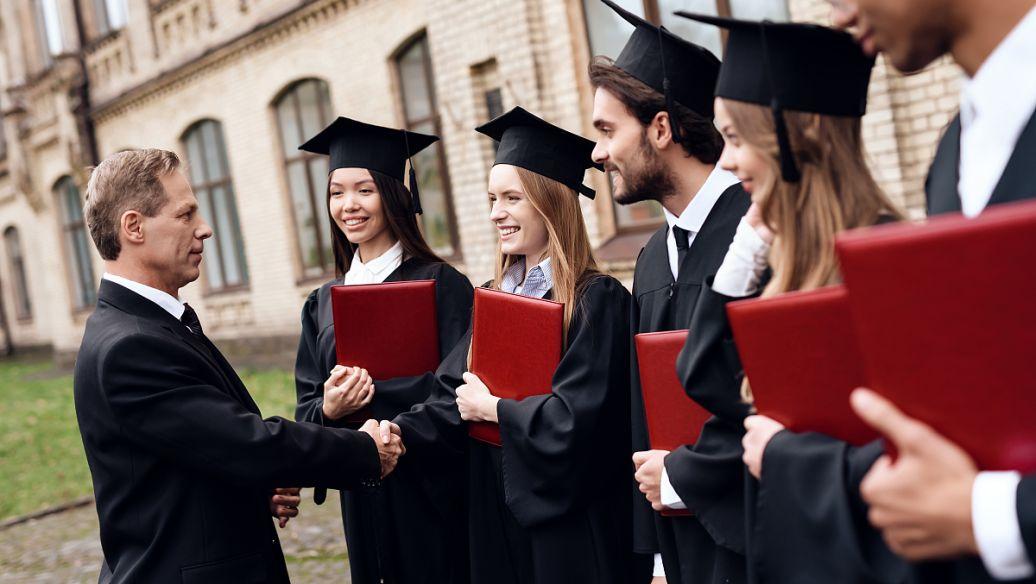 去泰国留学是混文凭吗?泰国留学混文凭是行不通的