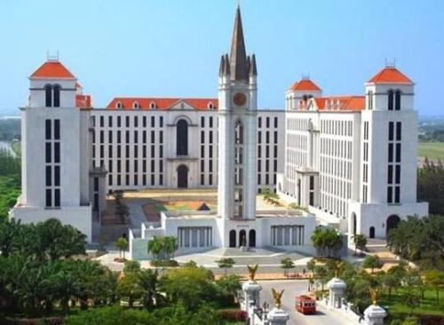 2021年泰国留学选择易三仓大学的十大优势?