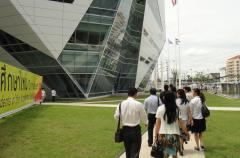 中国云南合作中学校方代表访问团实地考察访问
