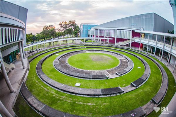 传媒学院圆形露天广场为什么是圆的?