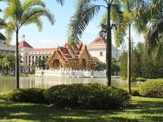 实力雄厚的泰国易三仓大学到底怎么样?听听学长们的分享