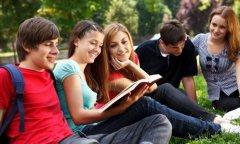 去加拿大和去美国留学相比哪个好?有什么优势?